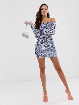 ASOS DESIGN Kort bodycon-klänning med diamantmönster Diamont mönster
