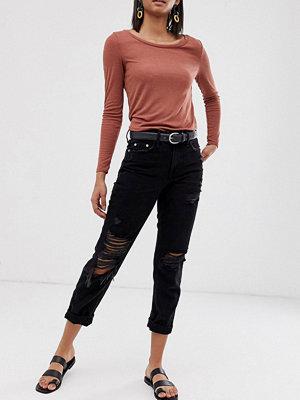 River Island Svarta mom jeans med tvättad finish Tvättad svart