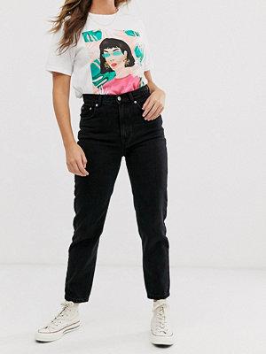 Pull&Bear Svarta styva mom jeans