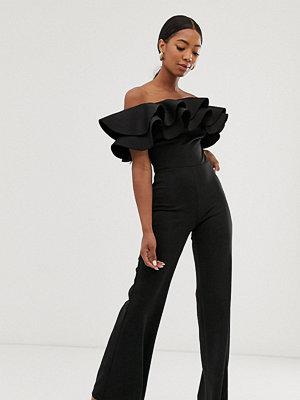 True Violet Svart exklusiv jumpsuit i bandeaumodell med överdriven volang