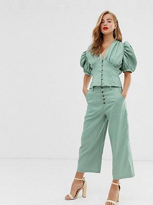 In The Style X Laura Jade Gröna culottebyxor med knäppning