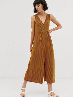 ASOS DESIGN Orange jumpsuit med ränder och rundad smock Orange-randig