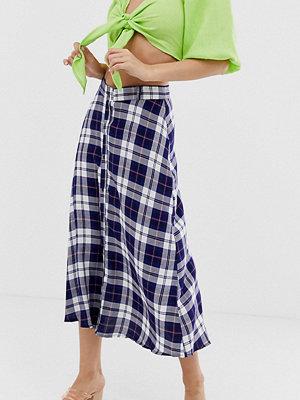 Wednesday's Girl Rutig midikjol med knappar framtill Mörkblå-rutig