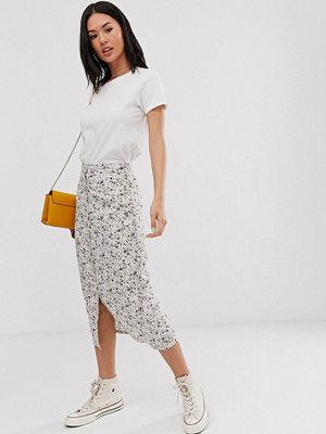 Daisy Street Midikjol med knappar och vintageinspirerat småblommigt mönster Vitt blommönster