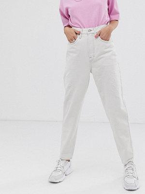 """Tommy Jeans Jeans i """"mom jeans""""-modell med hög midja Odet lt bl rig"""