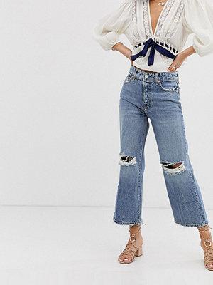 Free People Ranger Korta wide leg jeans med knärevor Himmel