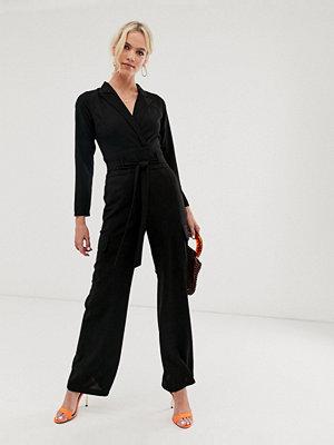 ASOS DESIGN Långärmad smoking-jumpsuit med fickor
