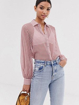 Fashion Union Ginghammönstrad skjorta i bäckebölja med ballongärm Rödrutig