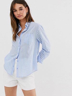 Monki Blå och vitrandig skjorta i oversize-modell Blå