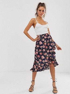 Unique21 Blommig kjol med knytdetalj Mörkblå blommig