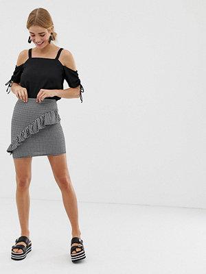 New Look Minikjol med ginghammönster och volang Gingham