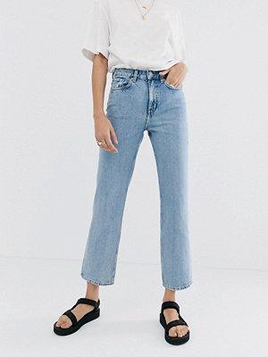 Weekday Voyage Ljusblå jeans med raka ben