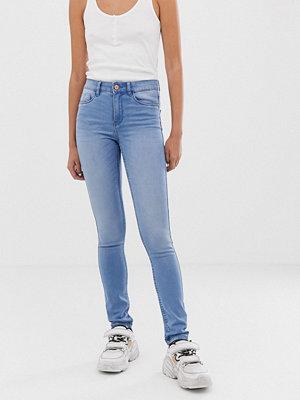Noisy May Lucy Extreme Mjuka skinny jeans med medelhög midja Ljusblå demin