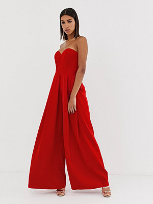 Bariano Röd jumpsuit i maxilängd med hjärtformad halsringning och vida ben