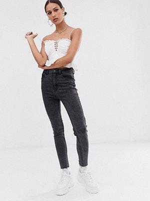 Bershka Stentvättade jeans med extremt hög midja