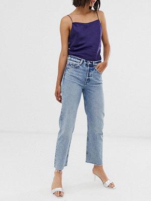 & Other Stories Mellanblå raka jeans med råskuren fåll Wash