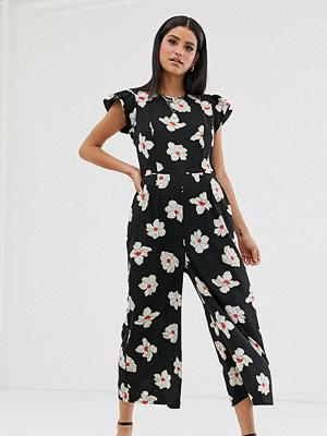 Vero Moda Tall Blommig jumpsuit med volangärm Blommigt