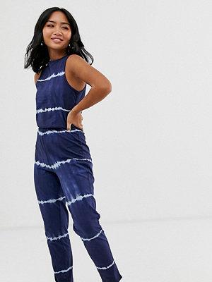 Noisy May Petite Willow Batikfärgad jumpsuit Marinblå/vit