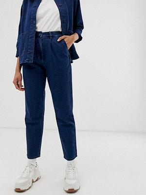Monki Blå peg-byxor i denim