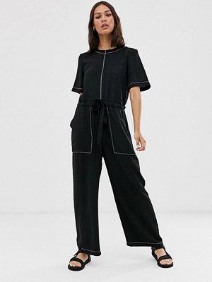 ASOS DESIGN Jumpsuit i t-shirtmodell med kontrasterande sömmar