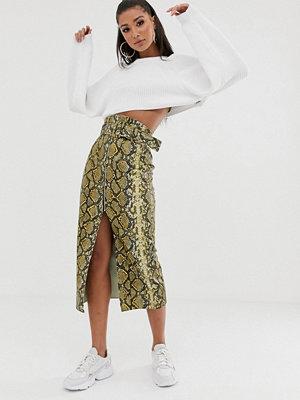 Kjolar - ASOS DESIGN Ormskinnsmönstrad midikjol med skärp och slits framtill Ormmönster
