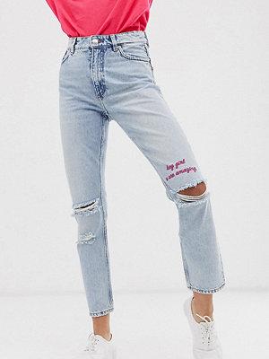 Monki Mom jeans med slitna detaljer