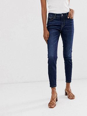 Stradivarius Join Life Skinny jeans i mörk tvätt med låg midja