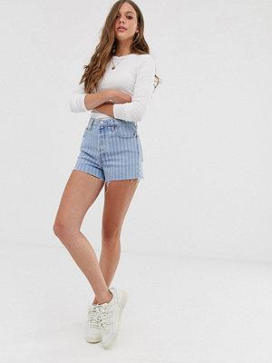 Shorts & kortbyxor - Levi's Ribcage Randiga shorts med hög midja Wide stripe