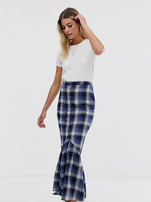 Wednesday's Girl Rutig maxikjol med peplum nedtill Mörkblå-rutig