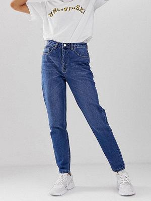 "Uncivilised Core Jeans i ""mom jeans""-modell Tvättad vintagelook"