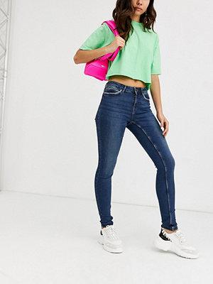 Noisy May Lucy Skinny jeans med hög midja Mörkblå denim