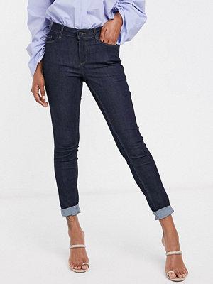 """Vero Moda Mörkblå skinny jeans med """"shape up""""-effekt Mörkblå denim"""
