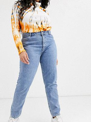 Vero Moda Curve Ankle grazer-jeans i mom-modell med hög midja