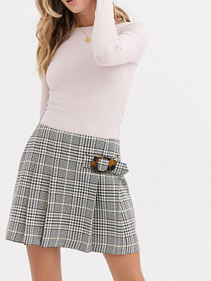 Miss Selfridge Rutig minikjol med spänne