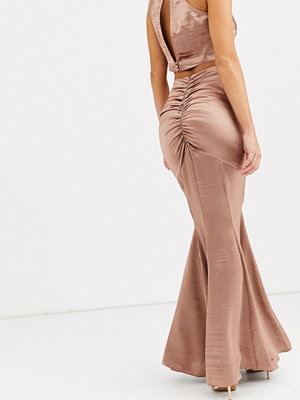ASOS DESIGN Maxikjol i satin med fishtail-design
