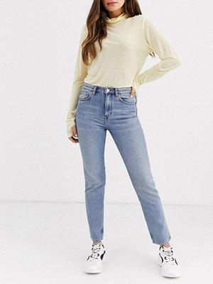 Weekday Seattle Mom jeans Dusty lgt week blue