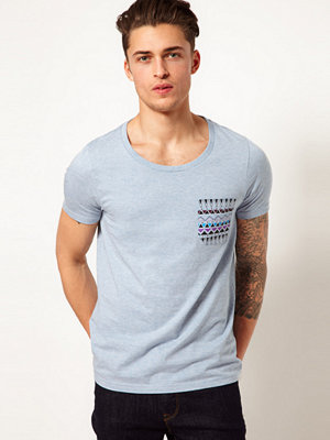 T-shirts - ASOS T-Shirt With Contrast Printed Pocket