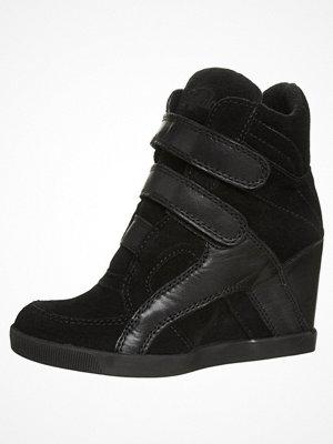 Sneakers & streetskor - Buffalo Klassiska stövletter garda preto