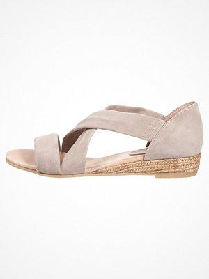 KIOMI Sandaletter med kilklack taupe