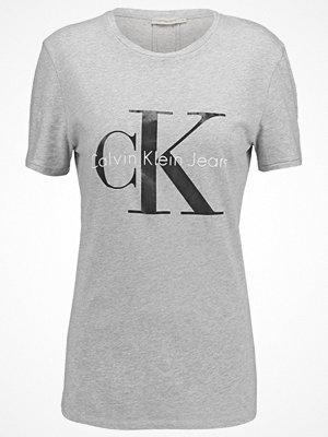 Calvin Klein Jeans Tshirt med tryck light grey