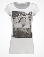 Rich & Royal Tshirt med tryck white