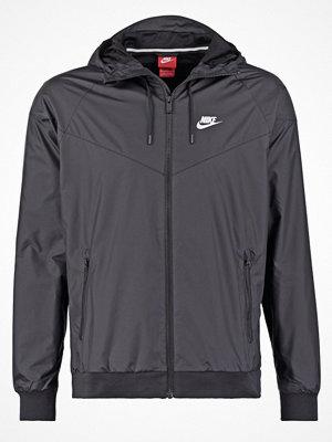 Nike Sportswear WINDRUNNER Vindjacka black/white