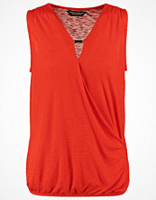 Dorothy Perkins Linne red