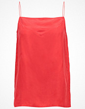 Filippa K Linne red