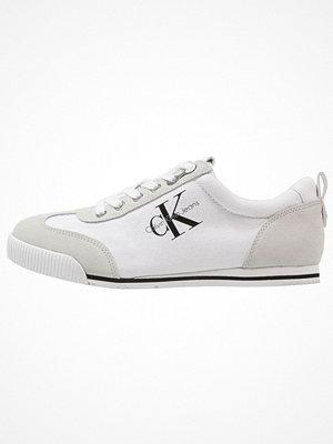 Calvin Klein Jeans WYATT Sneakers white