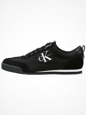 Calvin Klein Jeans WYATT Sneakers black