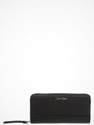 Calvin Klein M4RISSA LARGE ZIPAROUND Plånbok black
