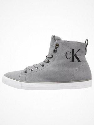 Calvin Klein Jeans ARTHUR Höga sneakers grey
