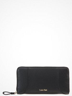 Plånböcker - Calvin Klein C4ROLYN Plånbok black