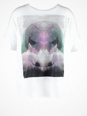 Bench PUTONICE Tshirt med tryck white